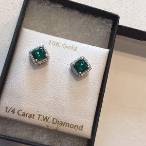 Jewelry - $250 1/4 Kt Diamond Emerald Gold Earrings Studs
